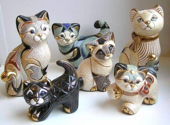 Cat family sculptures